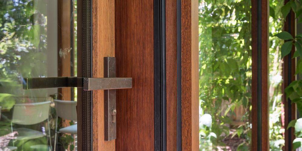 ETW+D_PassiveHouse_Triple_Glazed_SpottedGum_Timber_Lift_Slide_Door_Travancore_outside