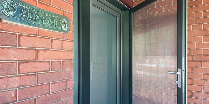 ETW+D_Triple_Glazed_Accoya_Timber_Door_Flyscreendoor_Travancore